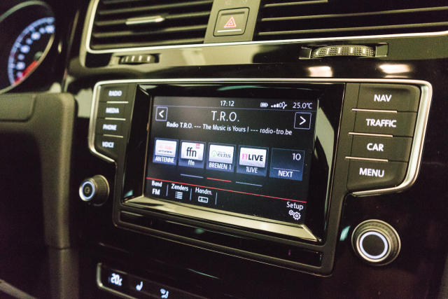 Volkswagen Golf Mark 1 1.2 TSI Cup // Navi, Sensoren, Bluetooth 16/30