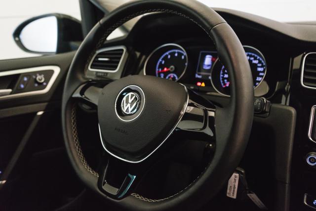 Volkswagen Golf Mark 1 1.2 TSI Cup // Navi, Sensoren, Bluetooth 23/30