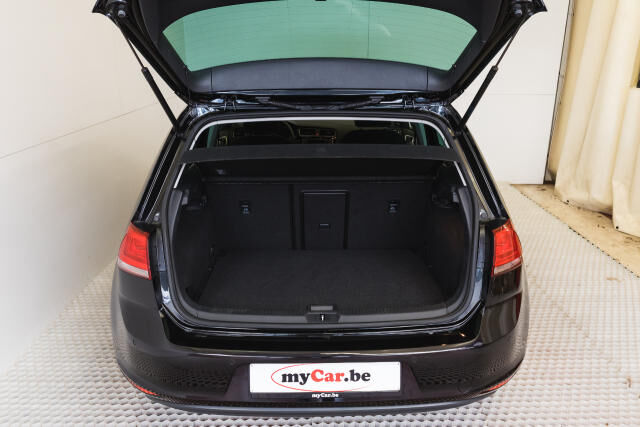 Volkswagen Golf Mark 1 1.2 TSI Cup // Navi, Sensoren, Bluetooth 7/30