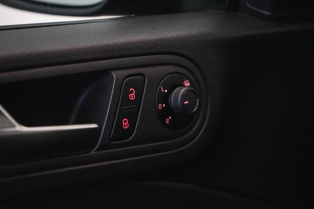 Volkswagen Beetle Mark 2 (2011) 1.2 TSI Coupé // Navi, Sensoren, Cruise control 27/29