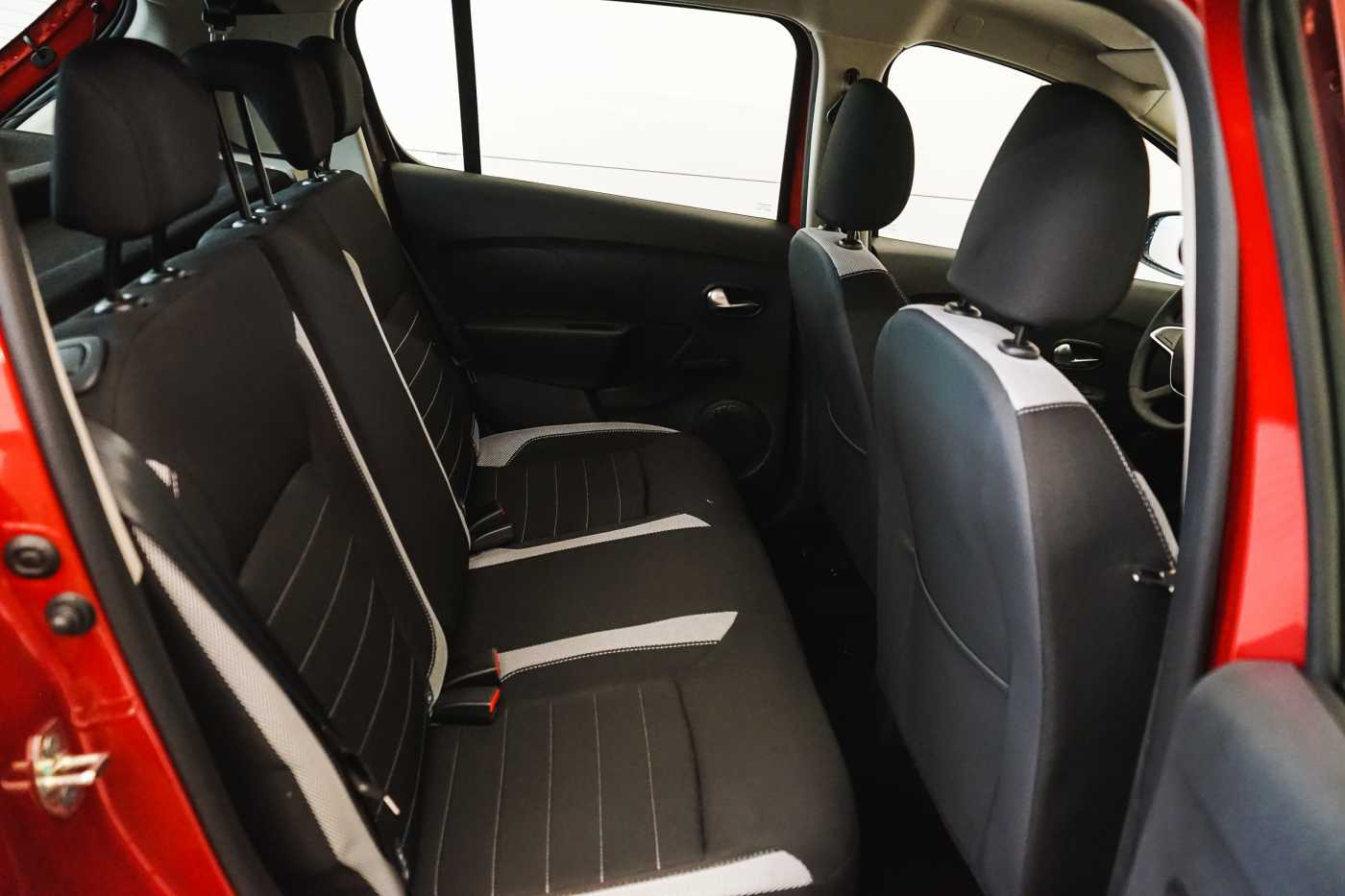 Dacia Sandero 1.0i SCe Stepway // Navi, Bluetooth, Airco, USB 10/27