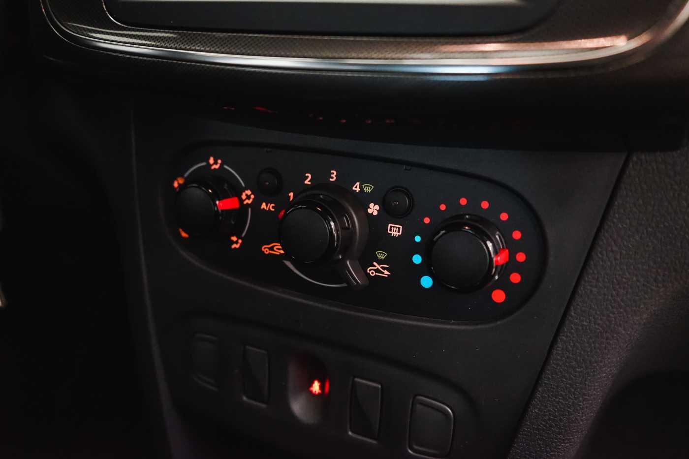 Dacia Sandero 1.0i SCe Stepway // Navi, Bluetooth, Airco, USB 13/27