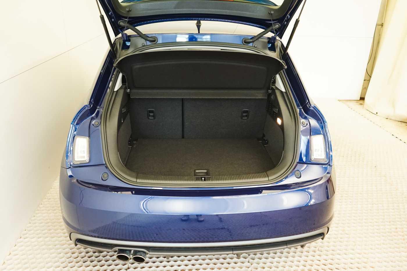 Audi A1 Proline Admired S-Line // Bluetooth, Zetelverwarming, Airco 7/31