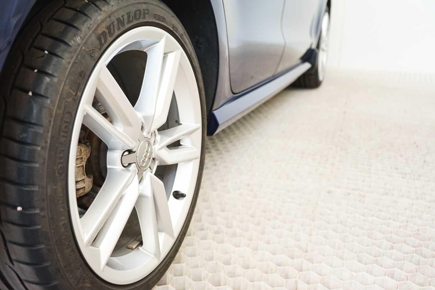 Audi A1 Proline Admired S-Line // Bluetooth, Zetelverwarming, Airco 8/31