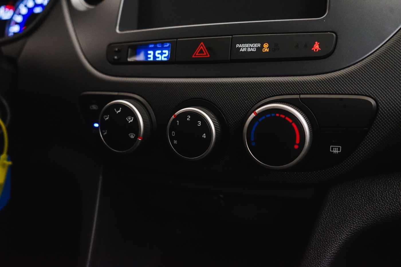 Hyundai i10 1.0i I-Drive // Mistlampen vooraan, Start/Stop 13/23