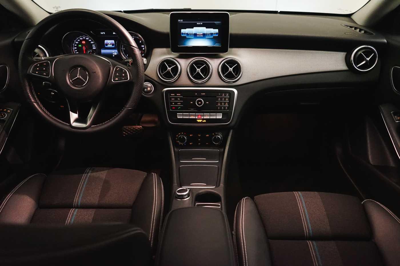 Mercedes CLA 200 d //Camera, Airco, Navi 11/33