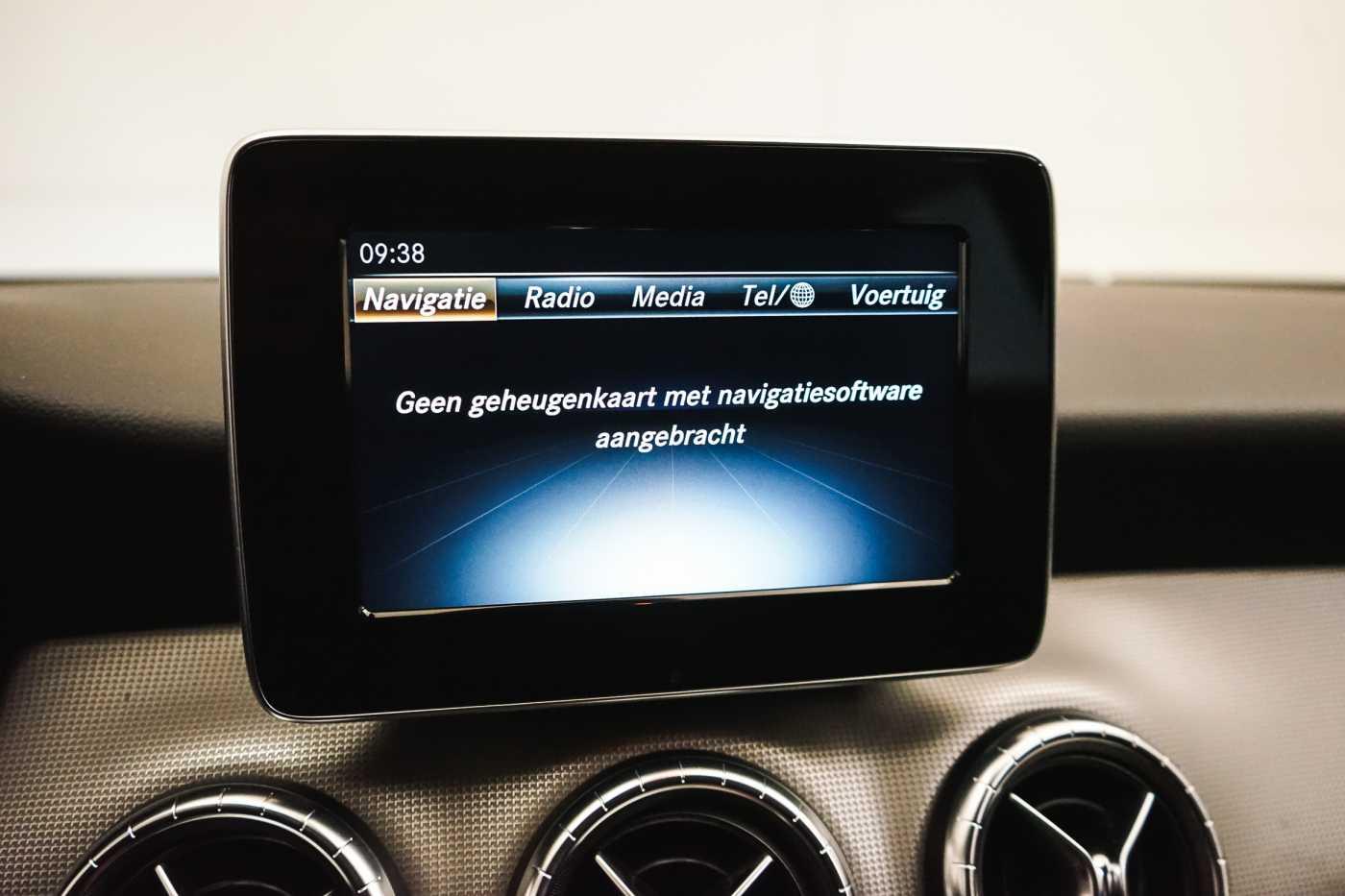 Mercedes CLA 200 d //Camera, Airco, Navi 21/33