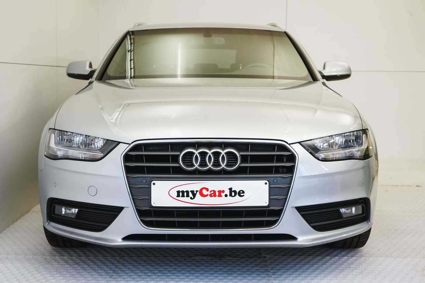 Audi A4 2.0 TDi S tronic // Sensoren, Bluetooth, Zetelverwarming 2/30