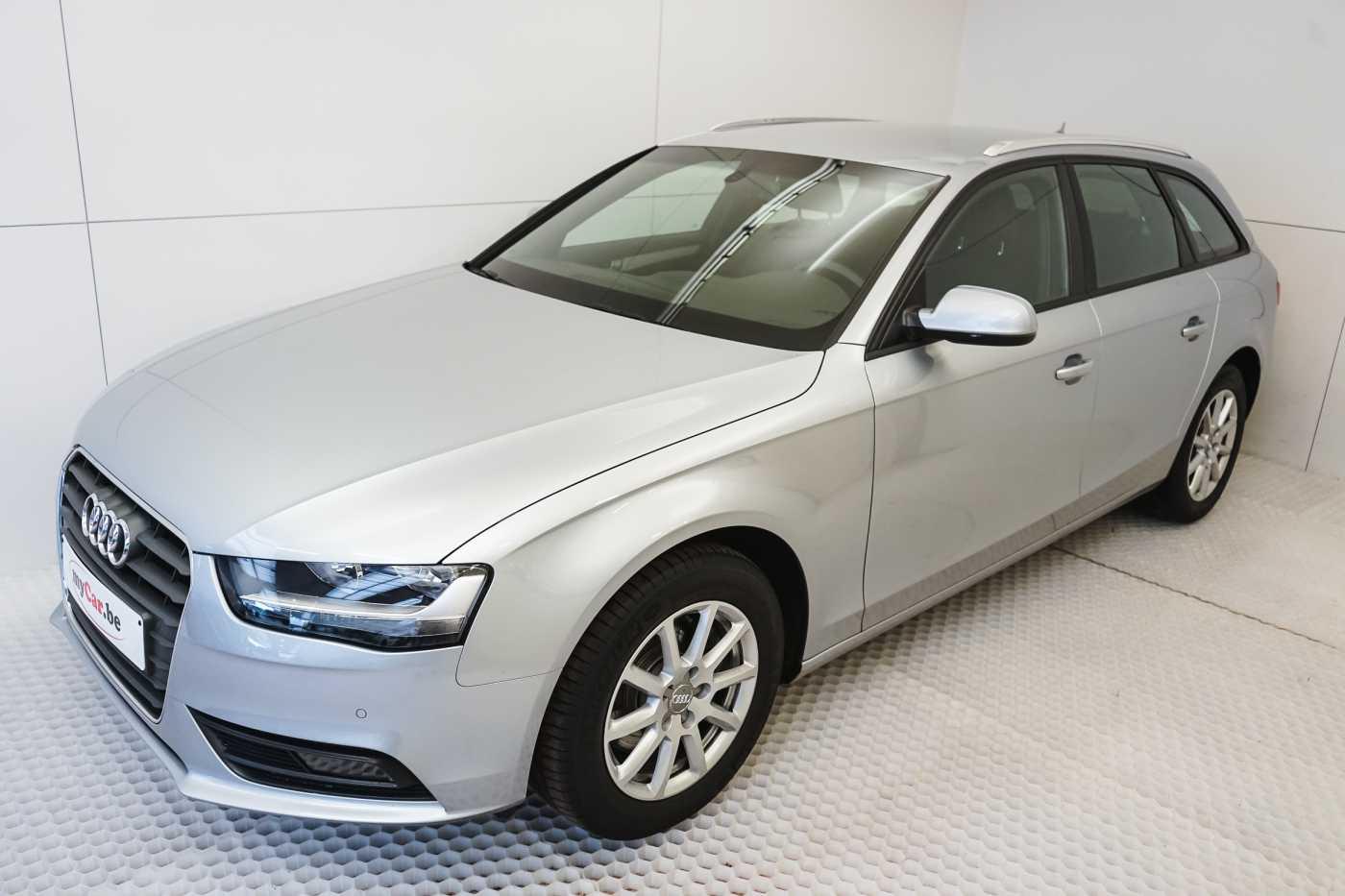 Audi A4 2.0 TDi S tronic // Sensoren, Bluetooth, Zetelverwarming 3/30