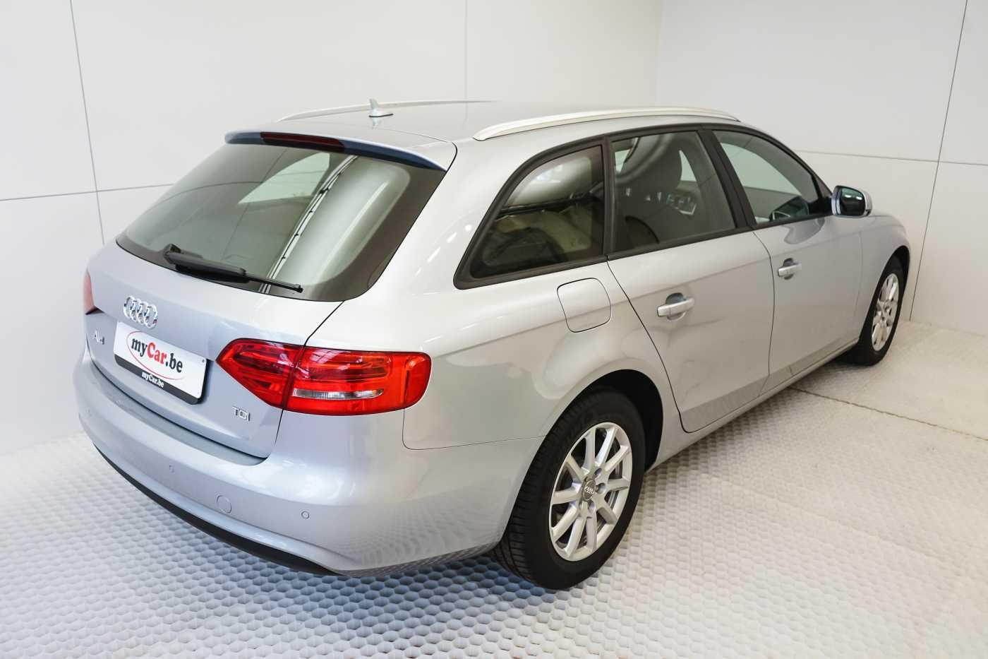 Audi A4 2.0 TDi S tronic // Sensoren, Bluetooth, Zetelverwarming 6/30
