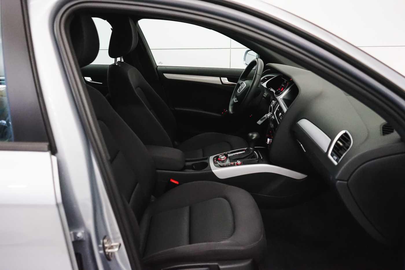 Audi A4 2.0 TDi S tronic // Sensoren, Bluetooth, Zetelverwarming 10/30