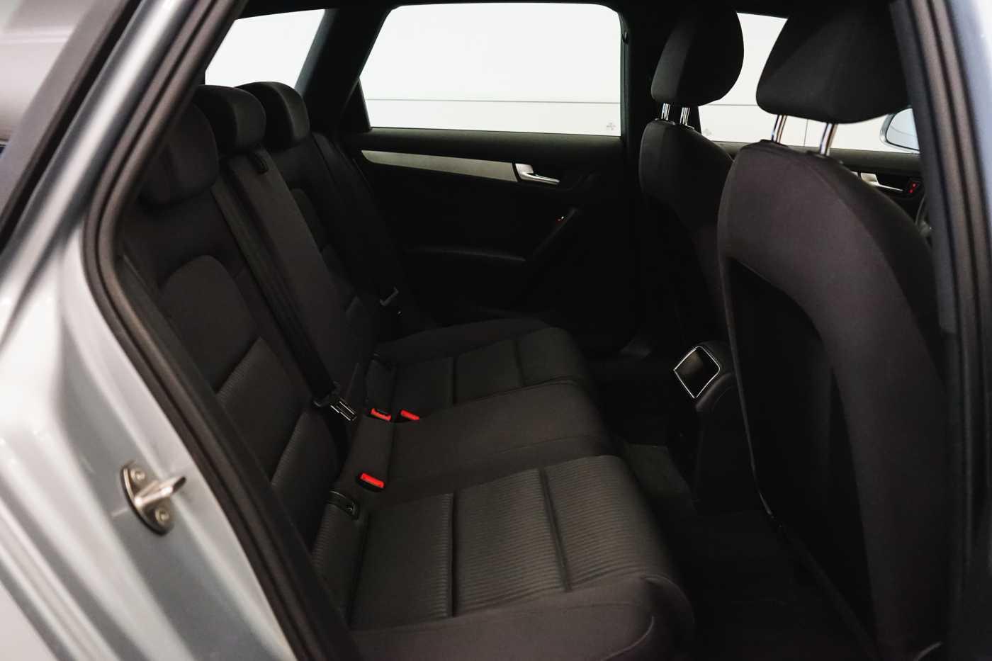 Audi A4 2.0 TDi S tronic // Sensoren, Bluetooth, Zetelverwarming 11/30