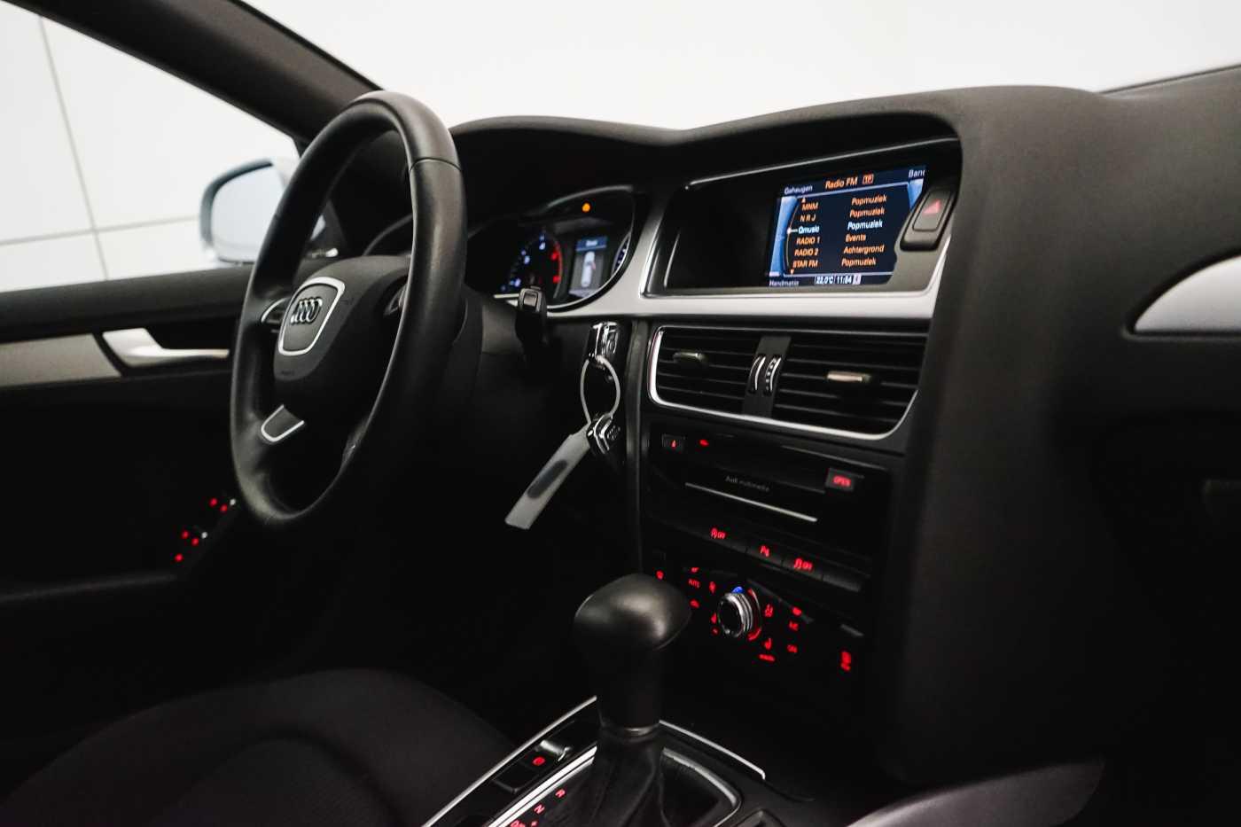 Audi A4 2.0 TDi S tronic // Sensoren, Bluetooth, Zetelverwarming 13/30
