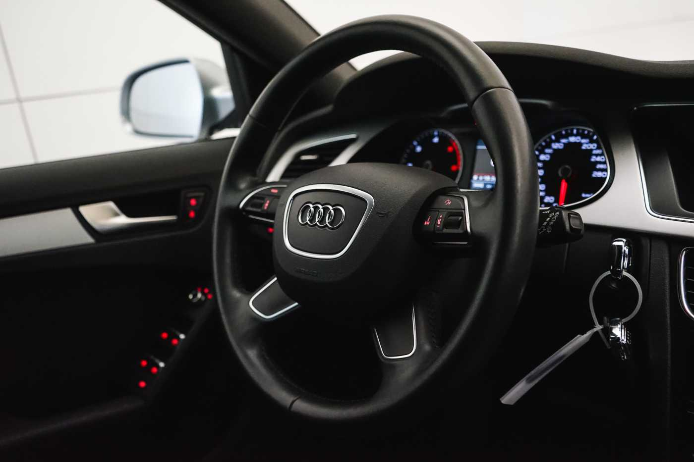 Audi A4 2.0 TDi S tronic // Sensoren, Bluetooth, Zetelverwarming 17/30