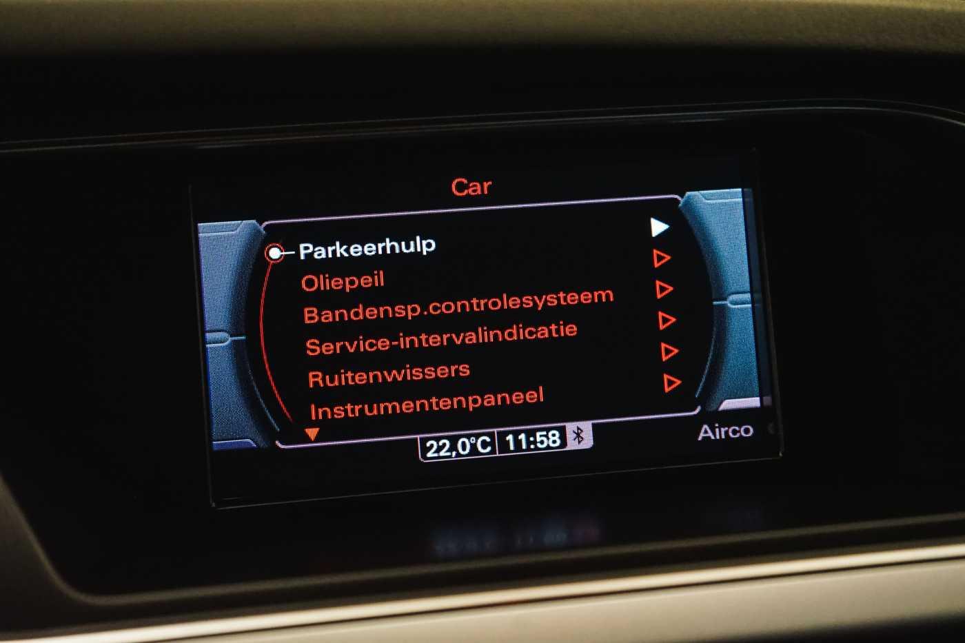 Audi A4 2.0 TDi S tronic // Sensoren, Bluetooth, Zetelverwarming 20/30
