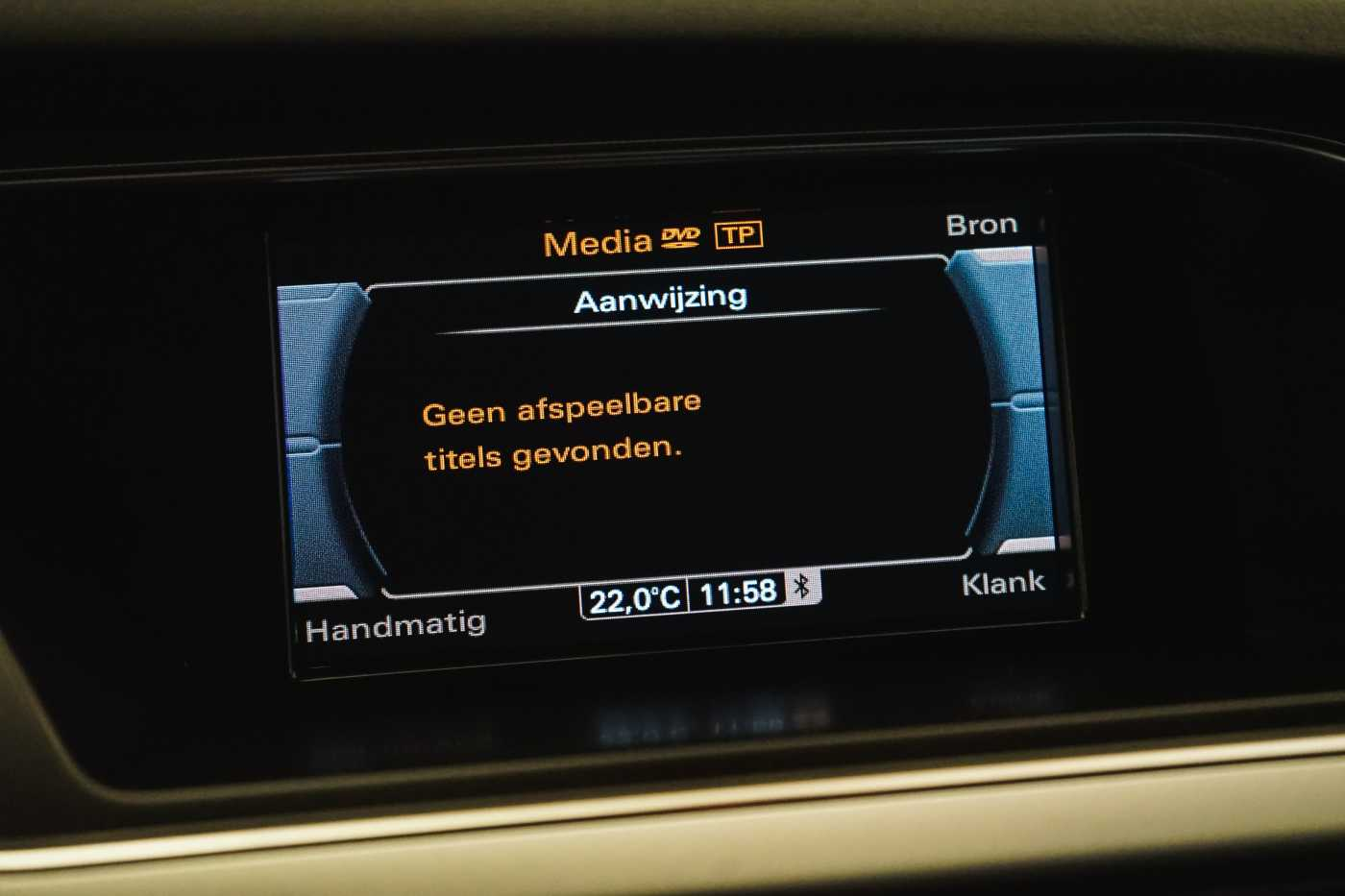 Audi A4 2.0 TDi S tronic // Sensoren, Bluetooth, Zetelverwarming 21/30
