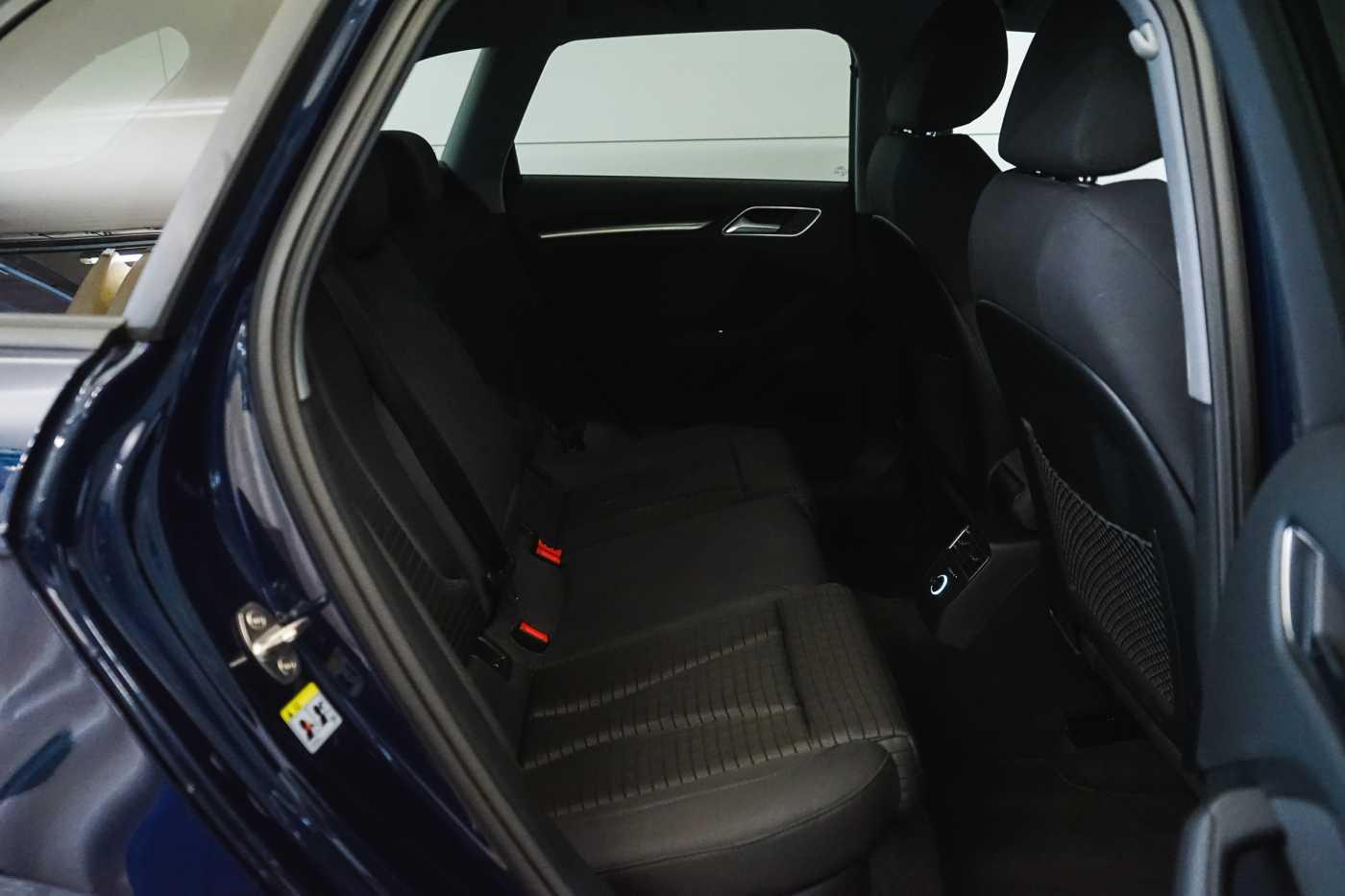 Audi A3 1.6 TDi Sport // dualzone airco, navi, zetelverwarming 10/33