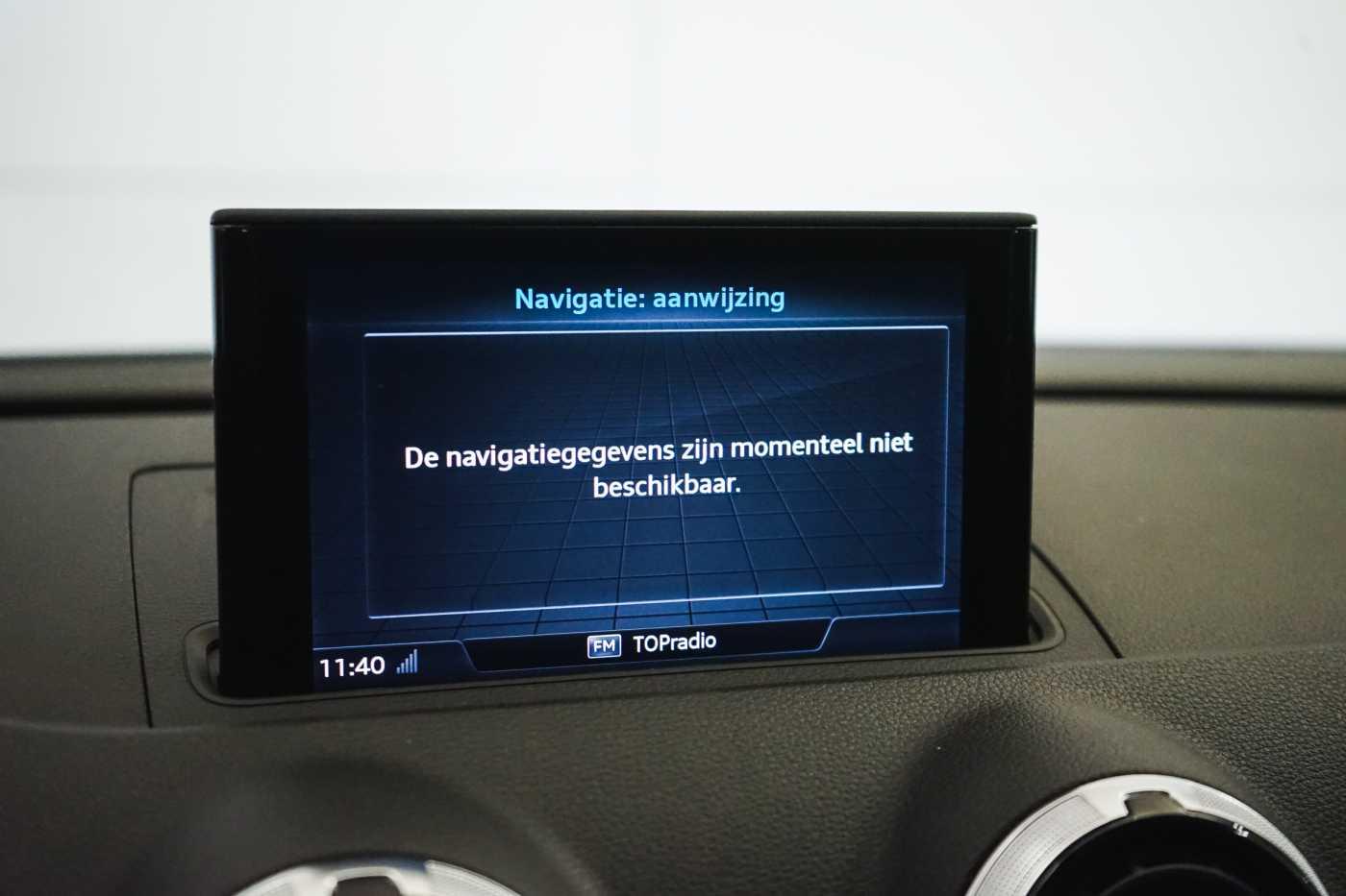 Audi A3 1.6 TDi Sport // dualzone airco, navi, zetelverwarming 19/33