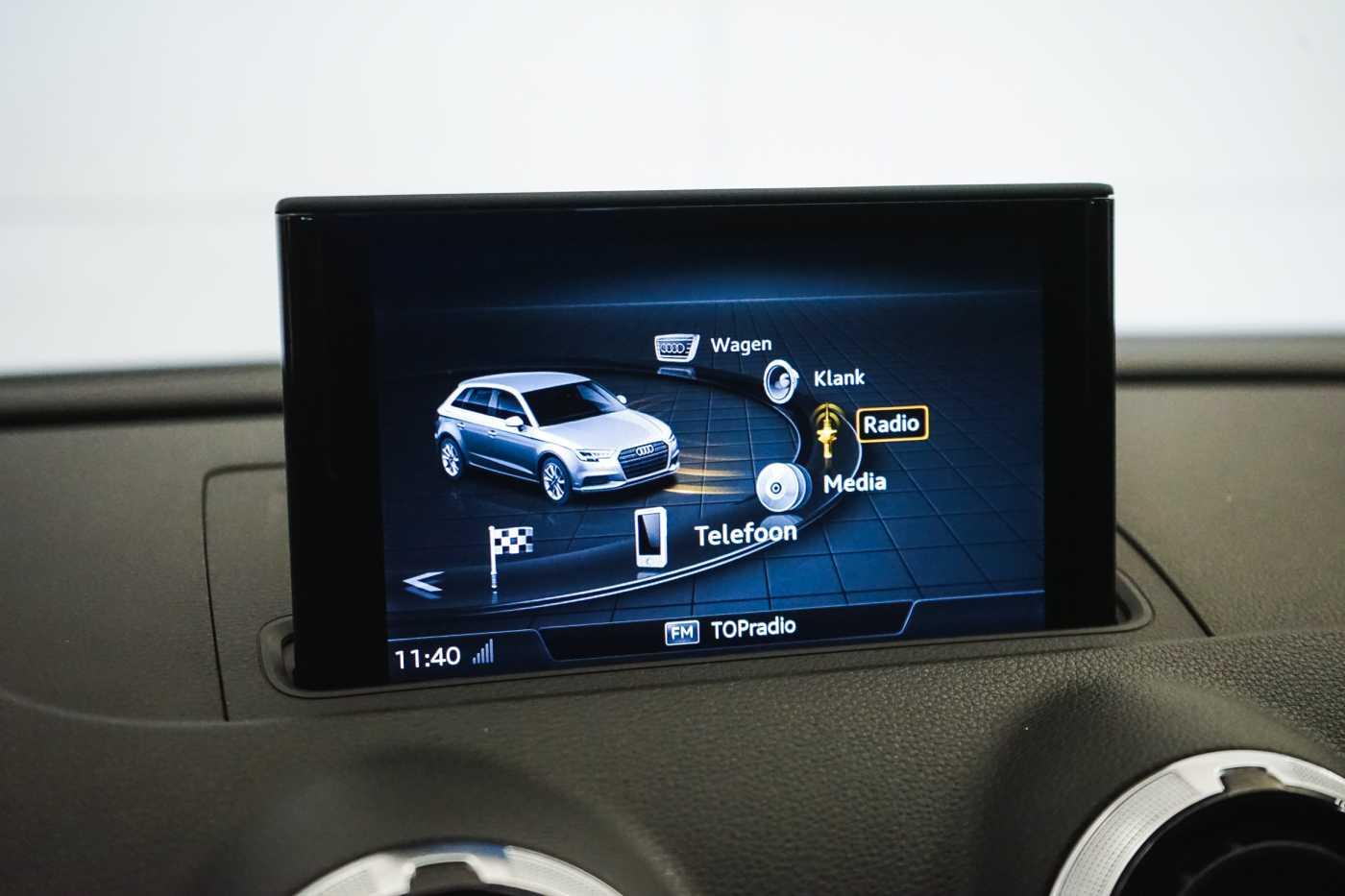 Audi A3 1.6 TDi Sport // dualzone airco, navi, zetelverwarming 23/33