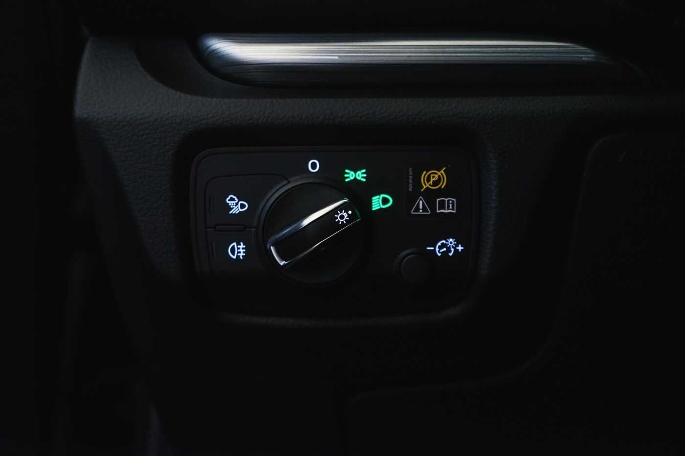 Audi A3 1.6 TDi Sport // dualzone airco, navi, zetelverwarming 30/33