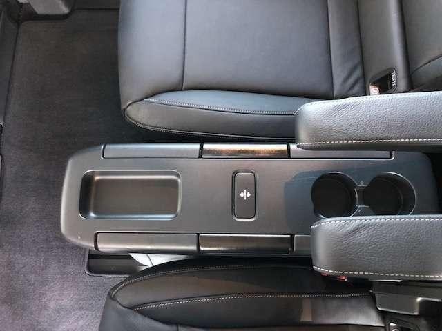 Mercedes V 250 d 4-Matic Dubbel Cab/ Command / Trekhaak / 360° 19/26