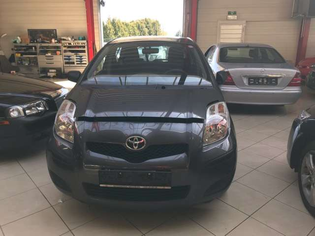 Toyota Yaris 1.0i VVT-i Luna//EURO 5 //PROBLEME MOTEUR / 2/15