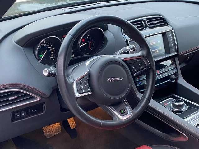 Jaguar F-Pace 2.0 D AWD R-Sport 10/15