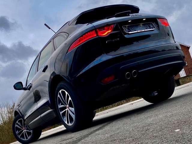 Jaguar F-Pace 2.0 D AWD R-Sport 8/15