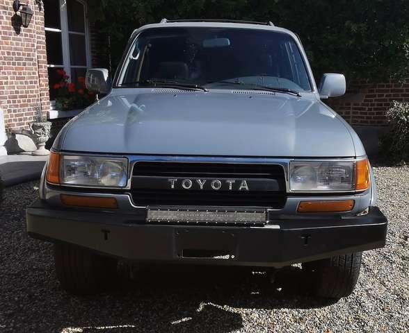 Toyota LANDCRUISER FJ 80 8/15
