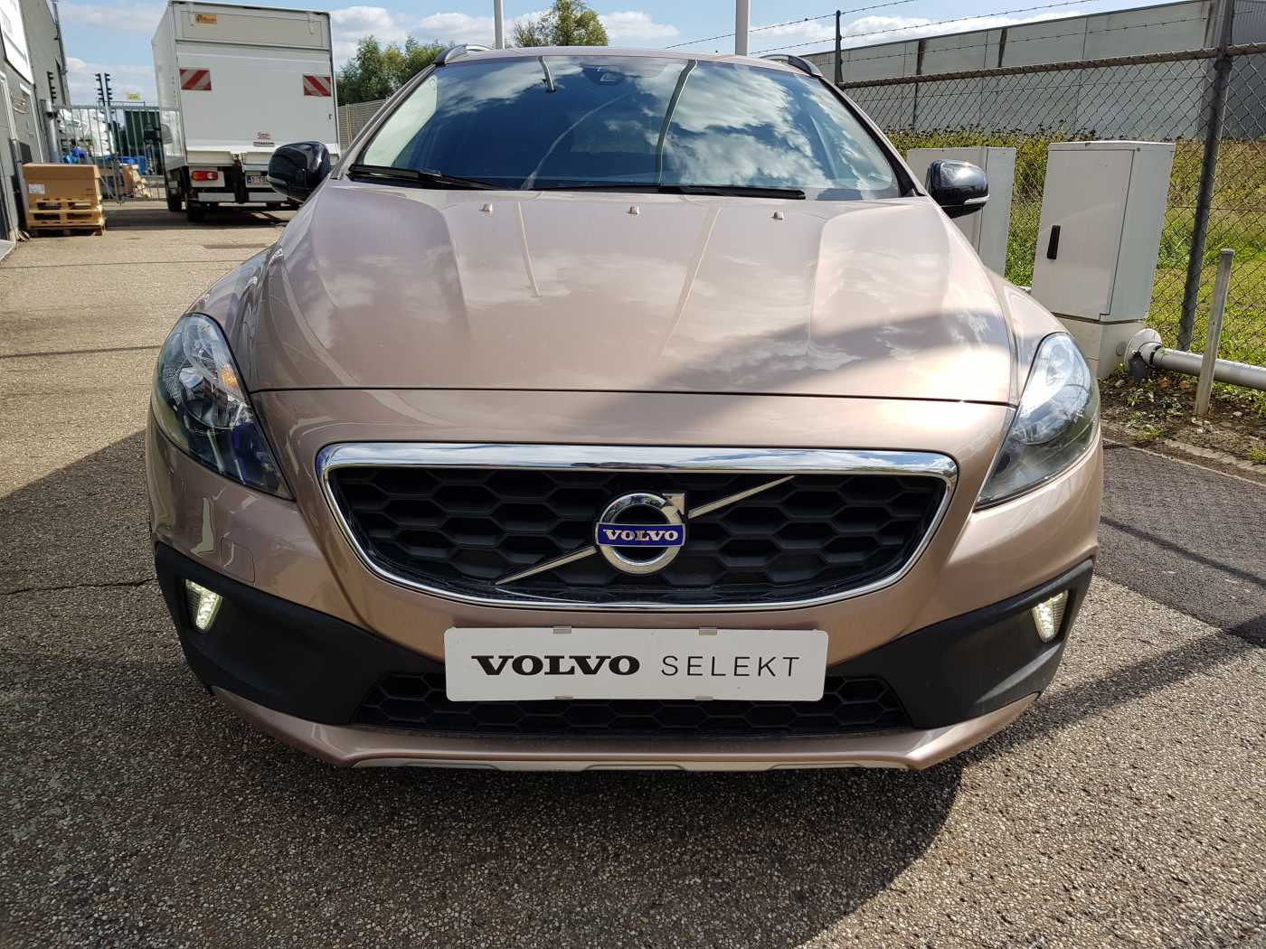 Volvo V40 Cross Country Cross Country D2 AUT Summum 2/10
