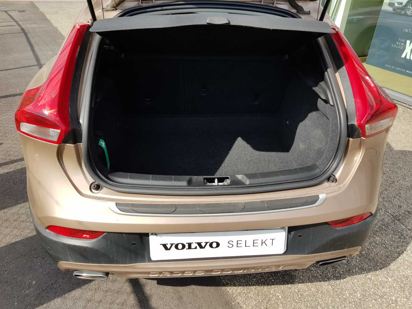Volvo V40 Cross Country Cross Country D2 AUT Summum 8/10