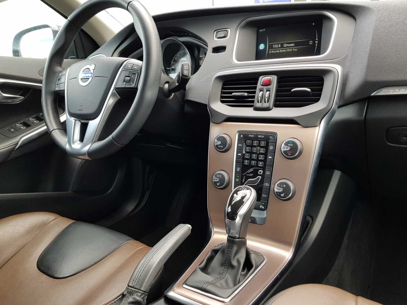 Volvo V40 Cross Country Cross Country D2 AUT Summum 6/10