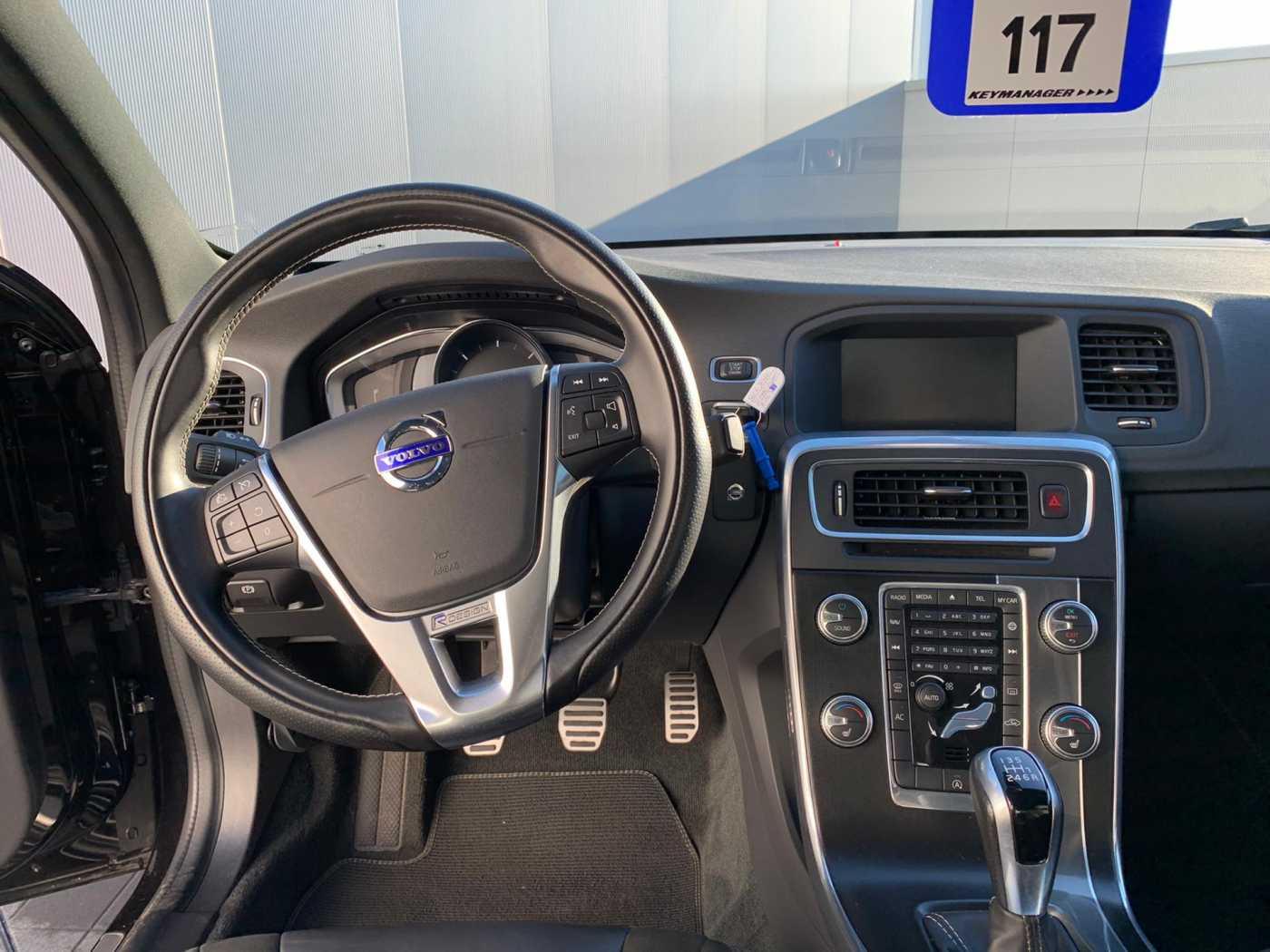 Volvo S60 R-Design D2 8/10