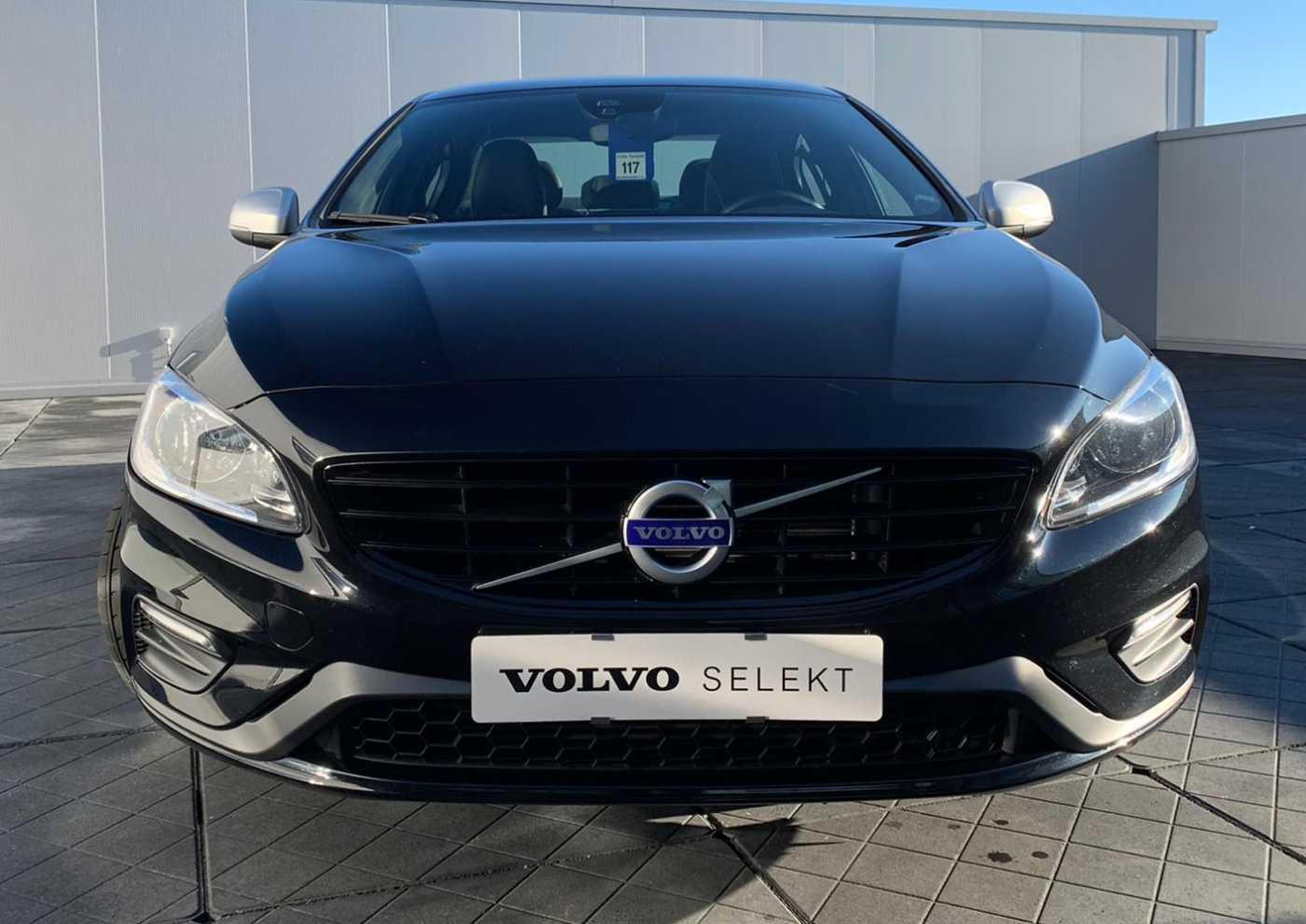 Volvo S60 R-Design D2 2/10