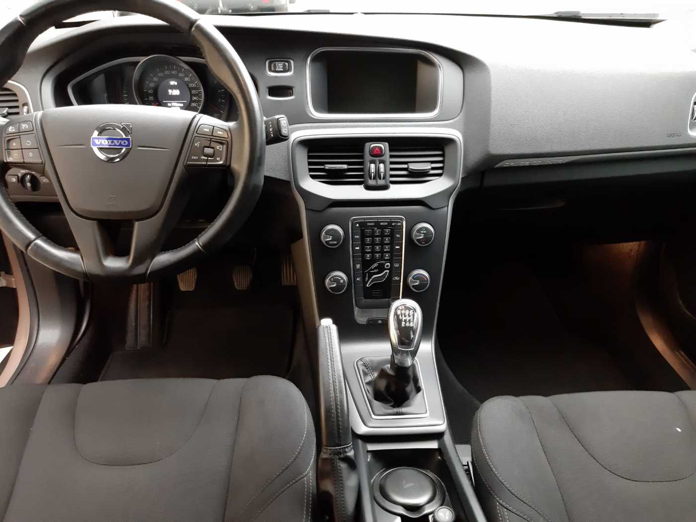 Volvo V40 Cross Country Cross Country D2 (115) Kinetic 8/10