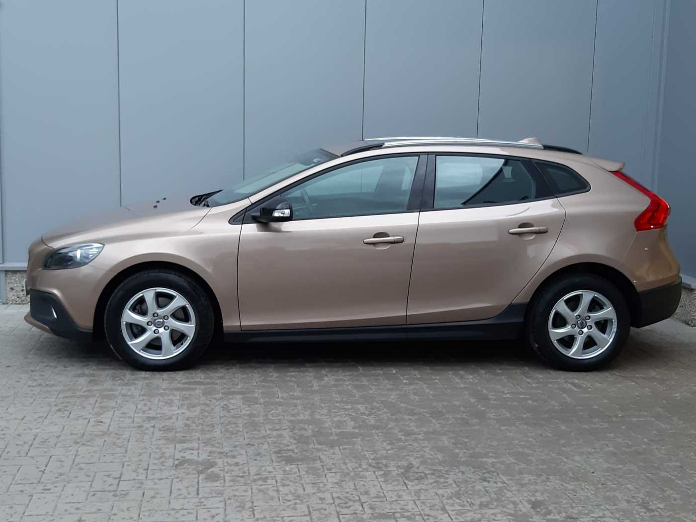 Volvo V40 Cross Country Cross Country D2 (115) Kinetic 2/10