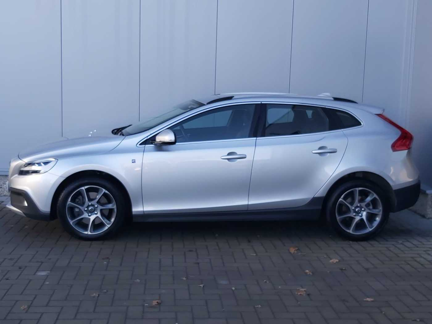Volvo V40 Cross Country Cross Country D2 AUT Volvo Ocean Race 3/10