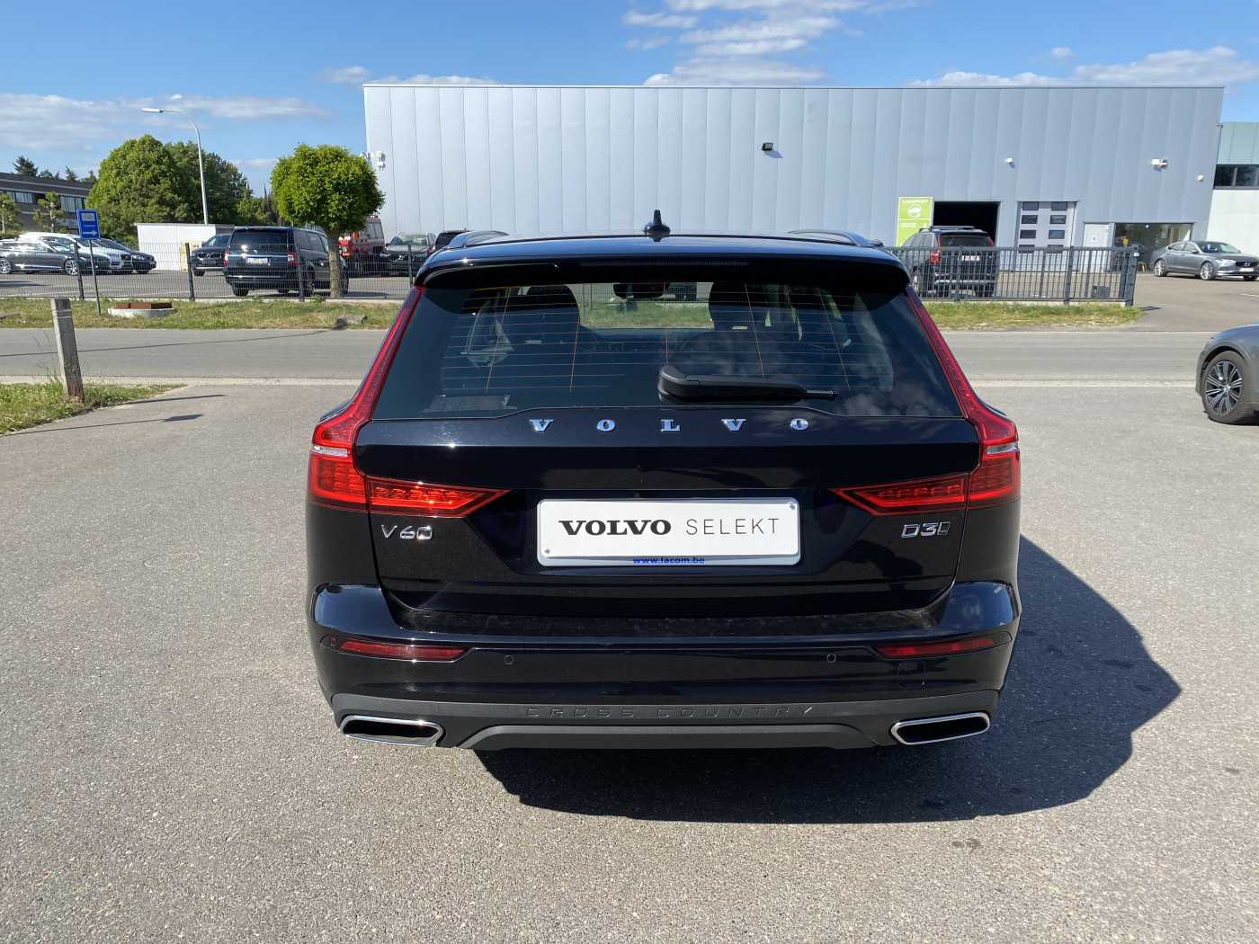 Volvo V60 Cross Country D3 AUT AWD Cross Country / 2 jr Garantie / Camera / Winter 4/22
