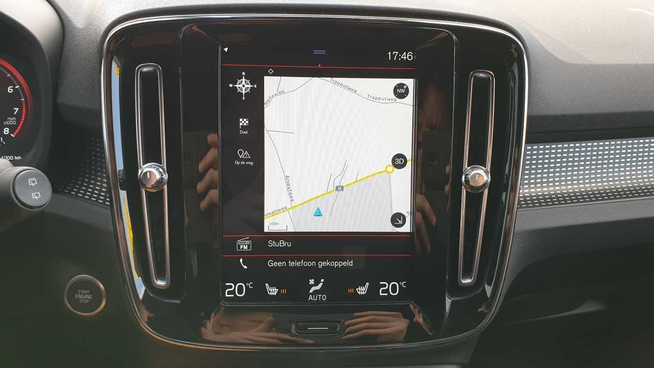 Volvo XC 40 T3 R-Design 10/14