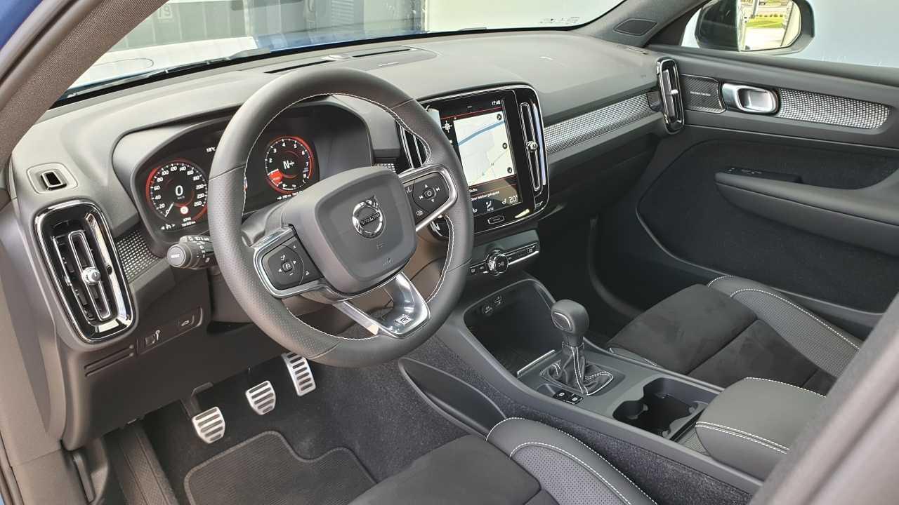 Volvo XC 40 T3 R-Design 6/14