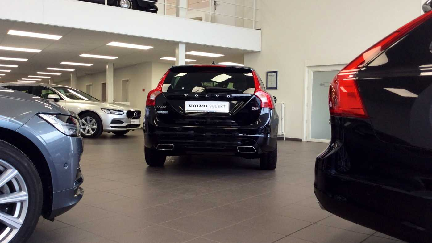 Volvo V60 Dynamic D2 Geartronic + Navi + Winter Pack + .... 22/24
