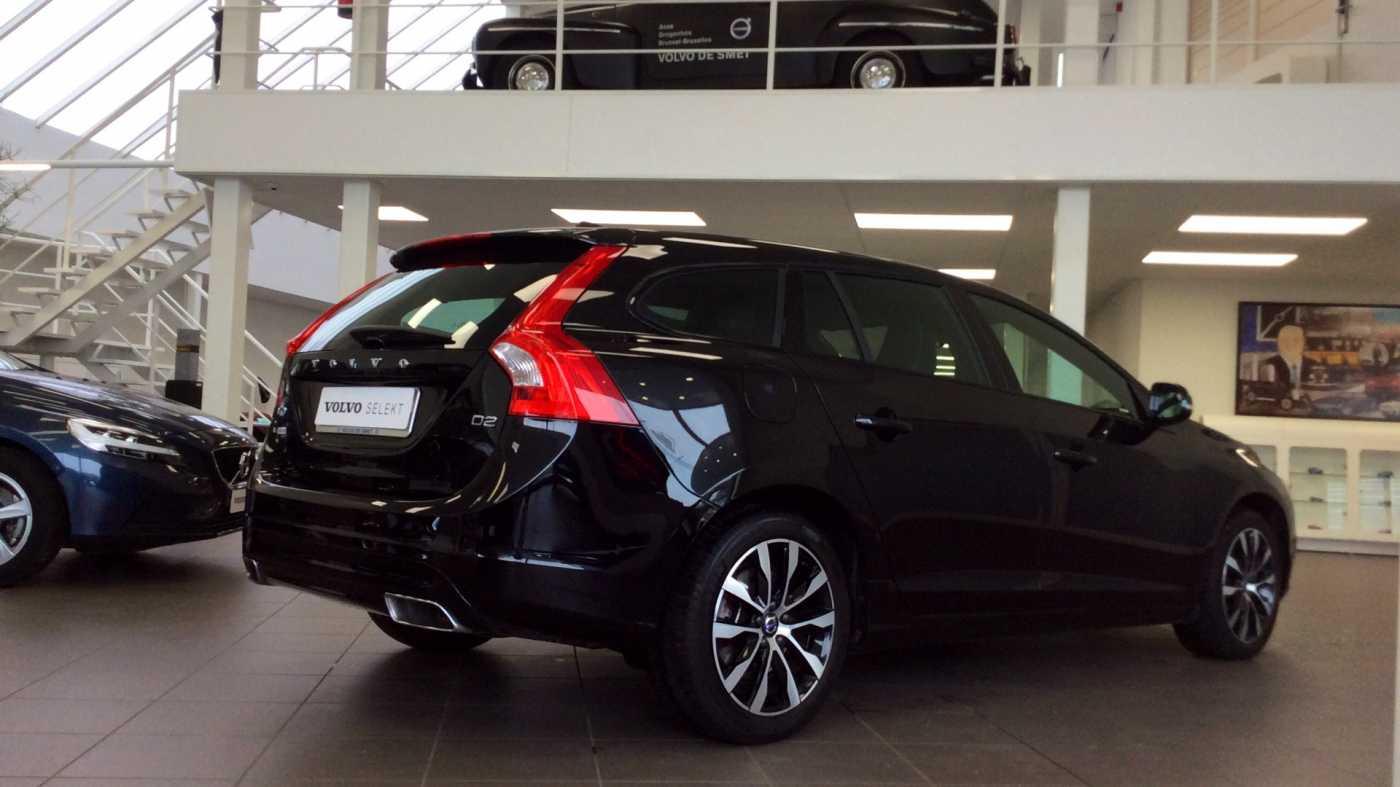 Volvo V60 Dynamic D2 Geartronic + Navi + Winter Pack + .... 23/24