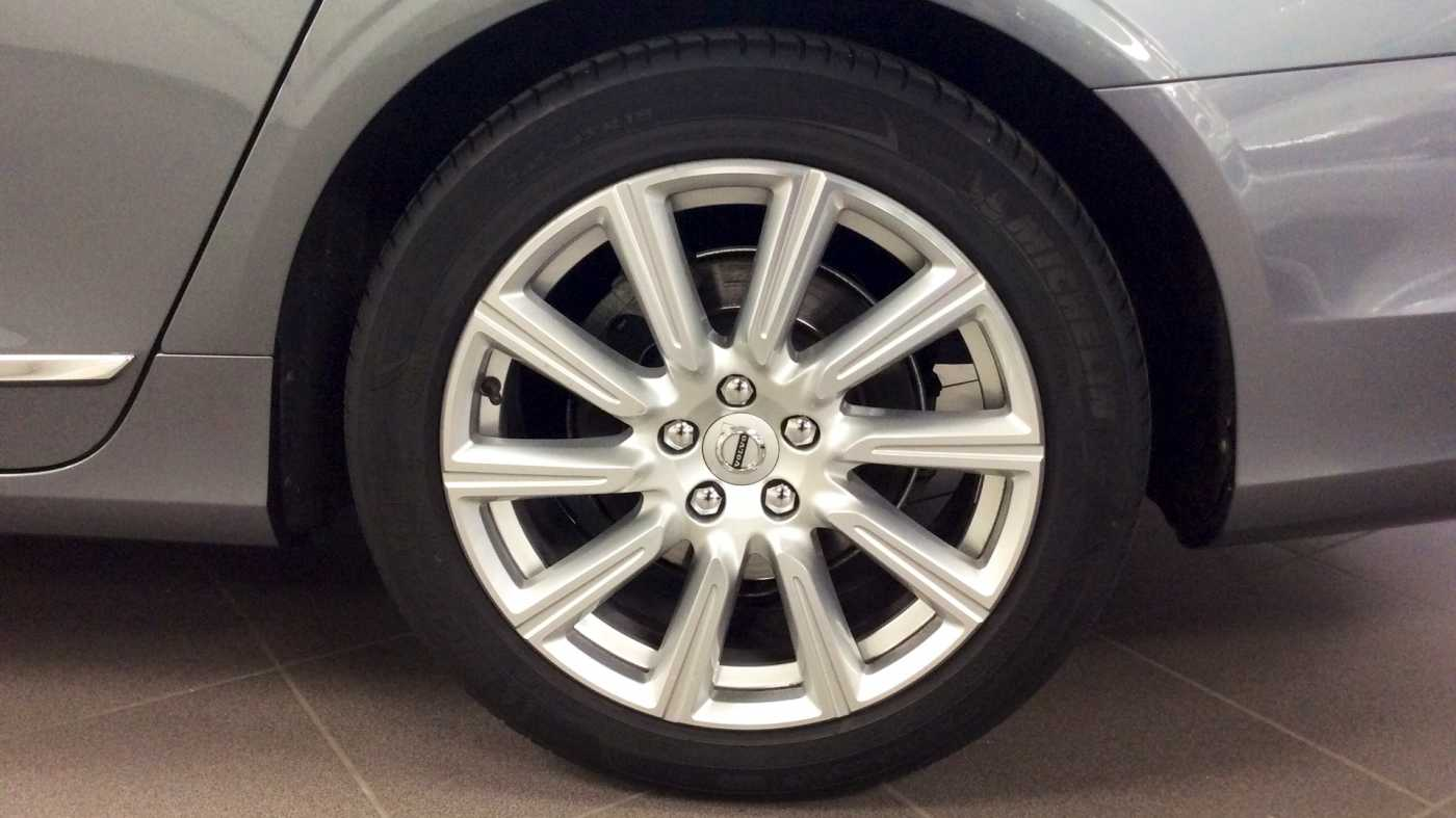 Volvo V90 D3 6-traps Geartronic Inscription + Navi + Leder + .... 10/24