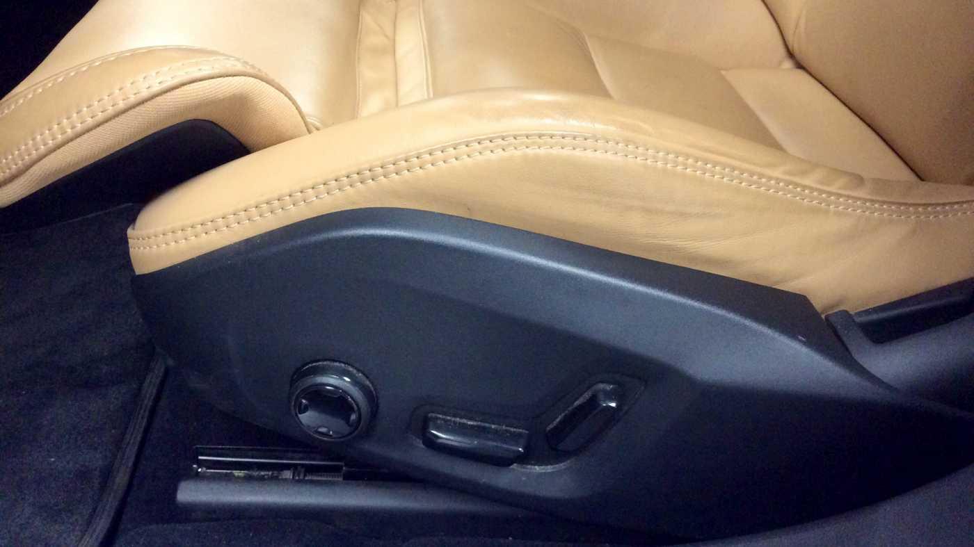 Volvo V90 D3 6-traps Geartronic Inscription + Navi + Leder + .... 14/24