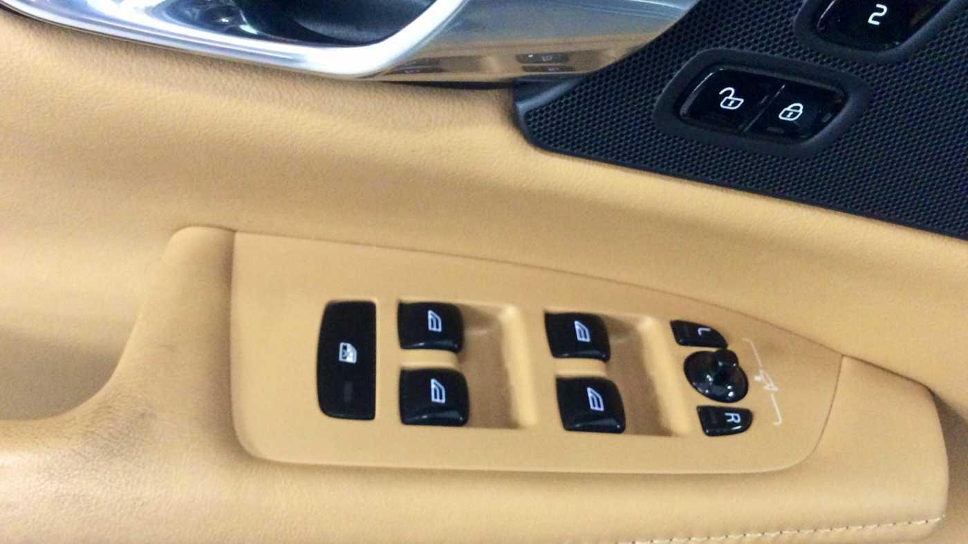 Volvo V90 D3 6-traps Geartronic Inscription + Navi + Leder + .... 15/24