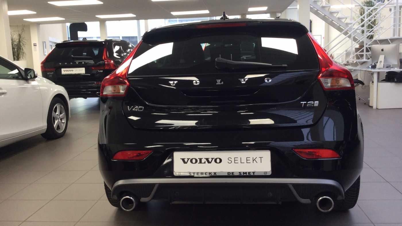 Volvo V40 Sport Edition T2 Geartronic + Navi + Leder + Winter Pack + ... 11/24