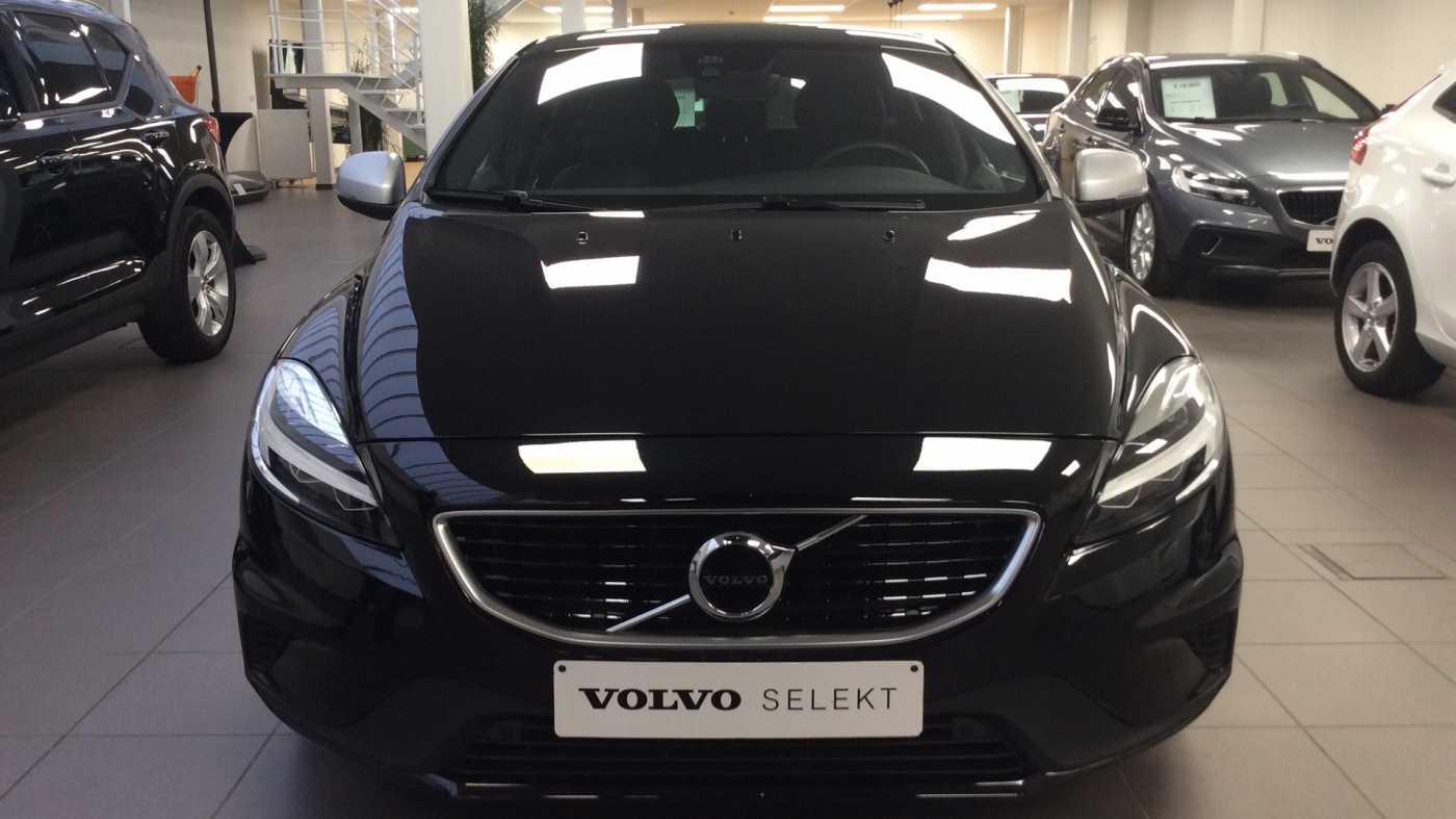 Volvo V40 Sport Edition T2 Geartronic + Navi + Leder + Winter Pack + ... 23/24
