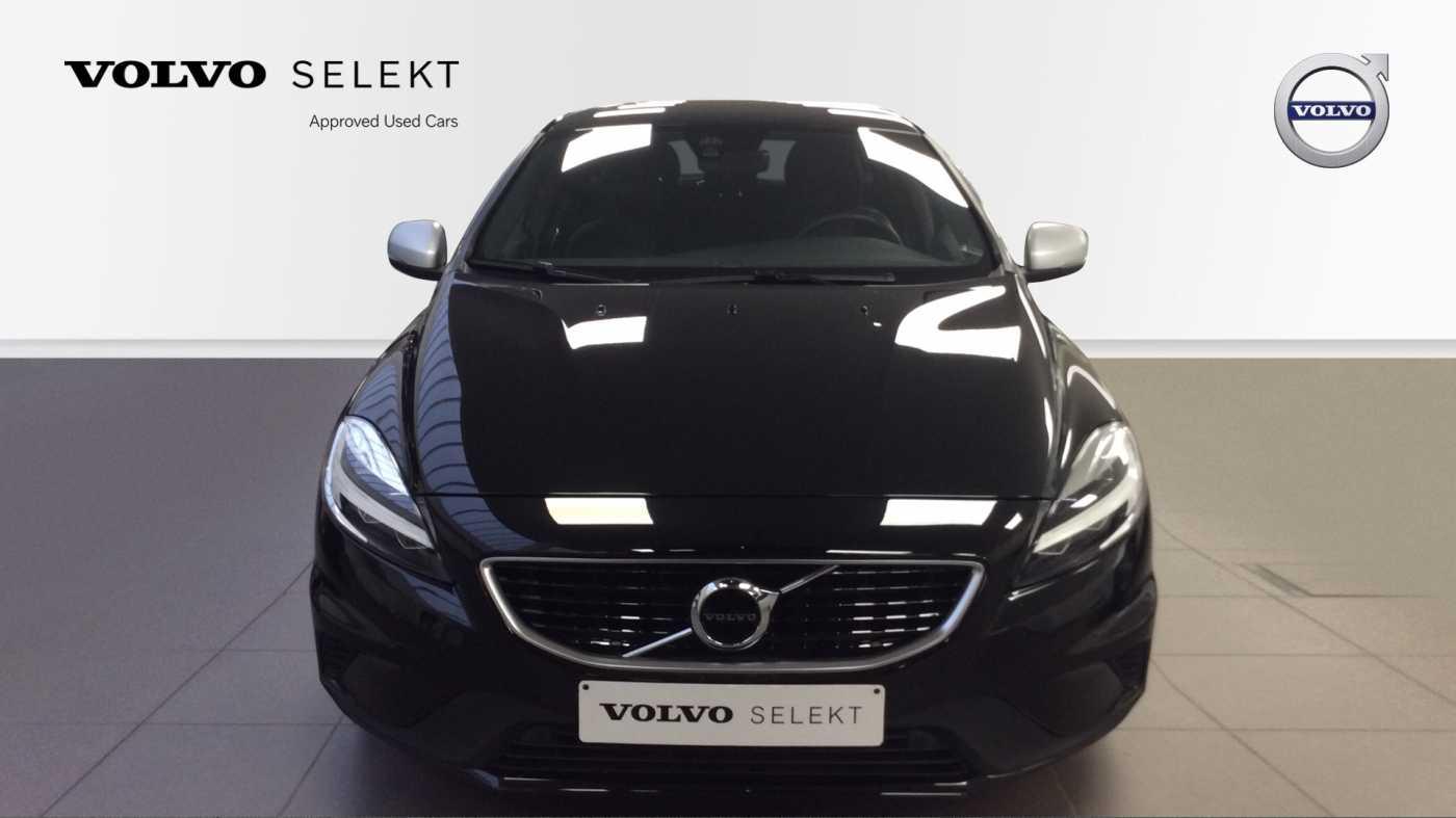 Volvo V40 Sport Edition T2 Geartronic + Navi + Leder + Winter Pack + ... 3/24