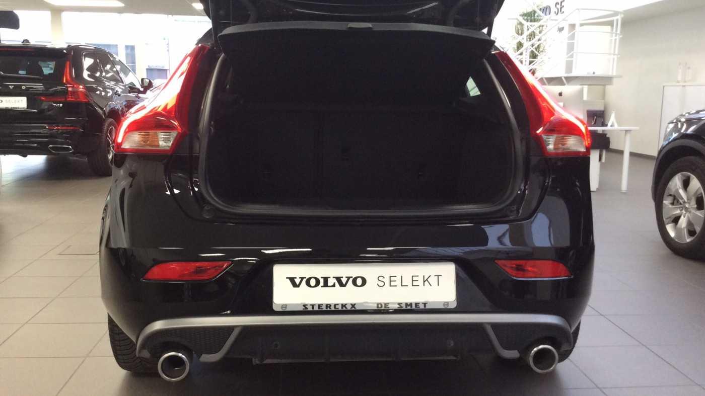 Volvo V40 Sport Edition T2 Geartronic + Navi + Leder + Winter Pack + ... 9/24