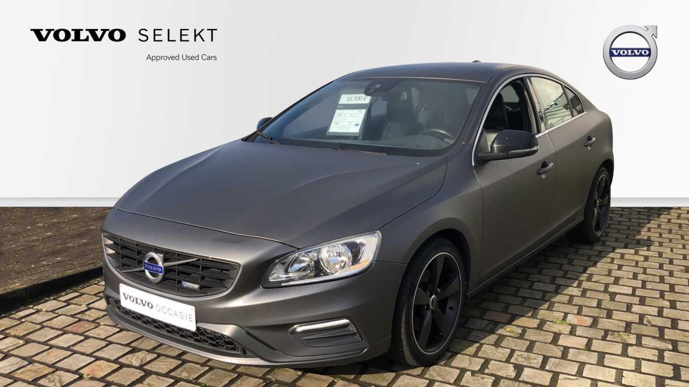 Volvo S60 D3 136pk AUT Momentum R-design, wagen is gewrapped in donker grijs!!! 1/11